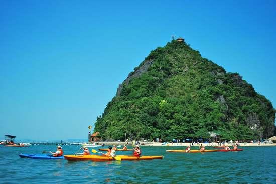 titop island halongbay